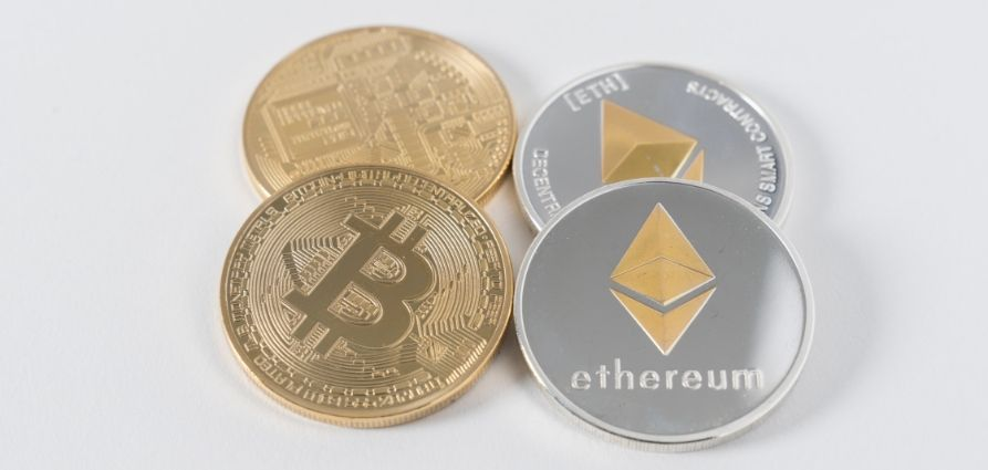 which wallet holds the most cryptocurrencies